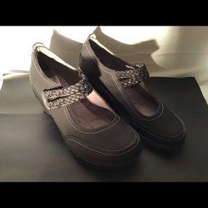JBU black work shoe
